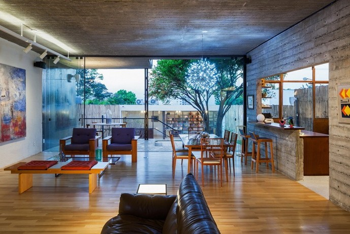 renovated-garage-house-with-backyard-and-frontyard (12)