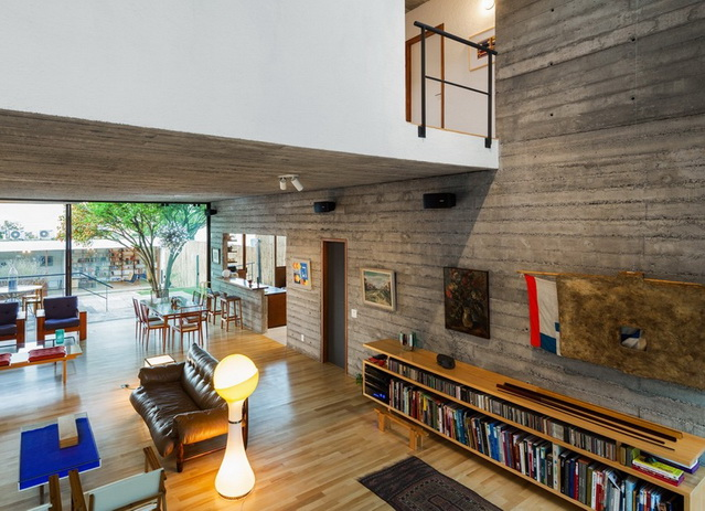 renovated-garage-house-with-backyard-and-frontyard (16)