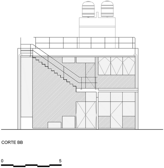 renovated-garage-house-with-backyard-and-frontyard (1)_resize