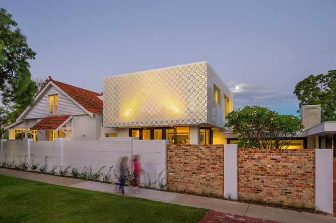 renovated-modern-house with swimming pool (1)