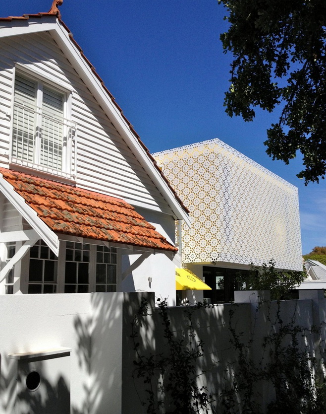 renovated-modern-house with swimming pool (3)