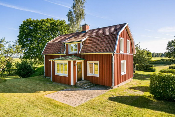 renovated-red-barn-farm-house (1)