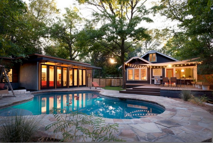 resort-bungalow-with-guest-house-and-pool (1)