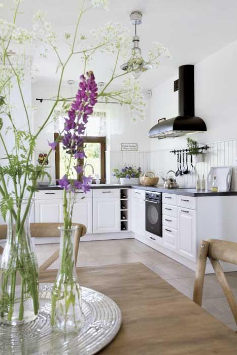 scandinavia-white-plain-house (11)
