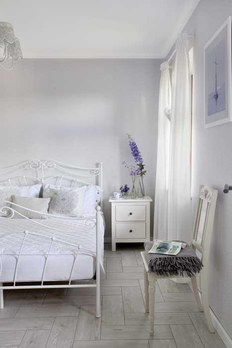 scandinavia-white-plain-house (7)
