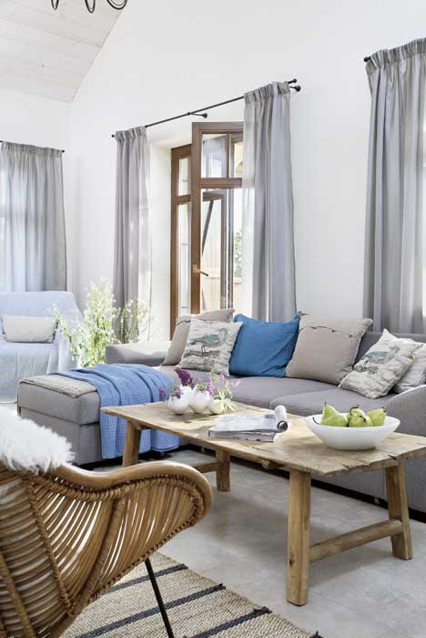 scandinavia-white-plain-house (8)