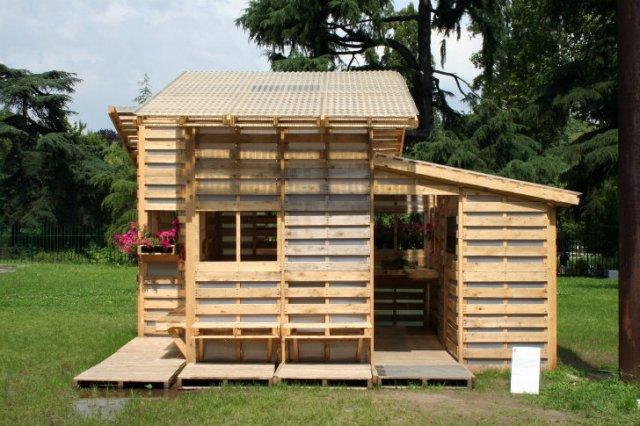 small-modern-pallet-house (1)