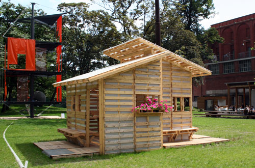 small-modern-pallet-house (7)