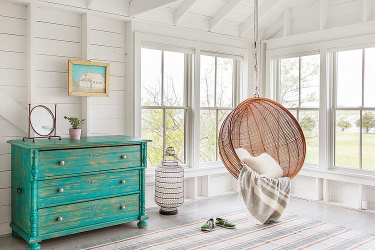 tattered-look-monotone summer-house (4)