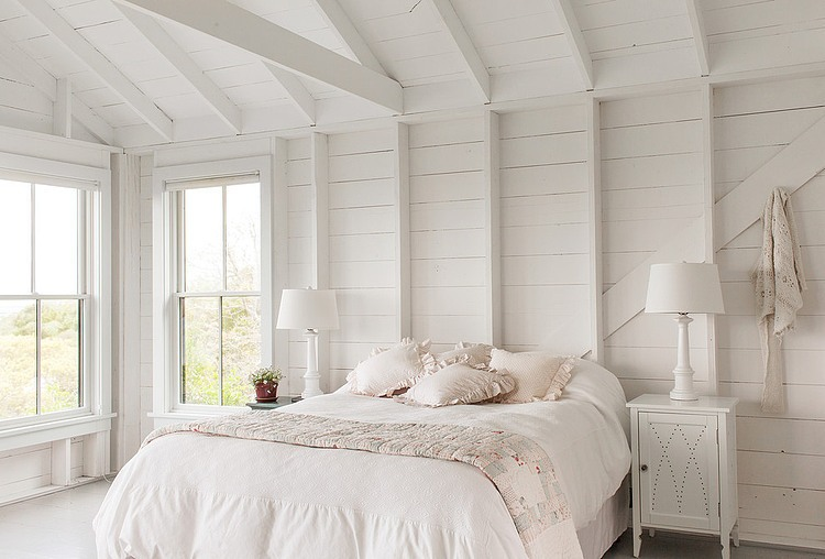 tattered-look-monotone summer-house (6)