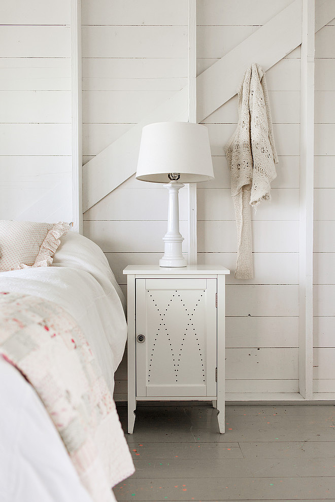 tattered-look-monotone summer-house (7)