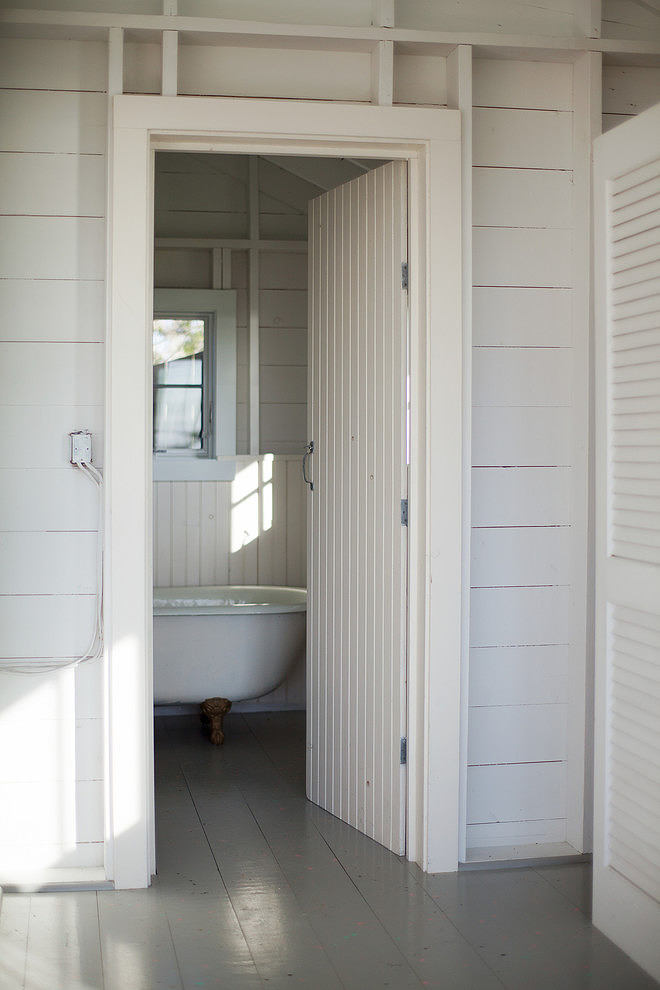 tattered-look-monotone summer-house (8)