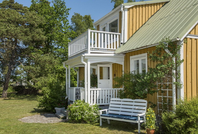 vintage-style-cottage-cute-yellow-house (7)