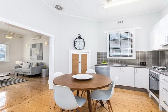 white-vintage-cozy-house (4)