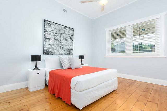 white-vintage-cozy-house (8)