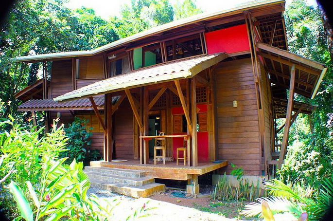 wooden-patio-house-in-forest_08