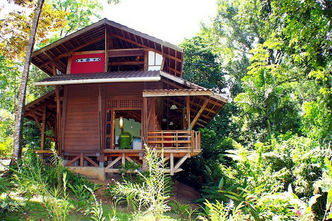 wooden-patio-house-in-forest_09