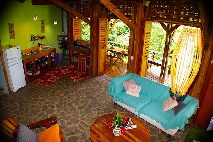 wooden-patio-house-in-forest_14