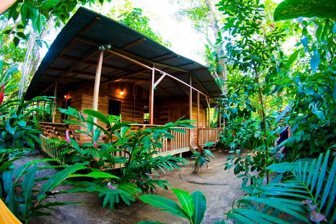 wooden resort tropical house (11)