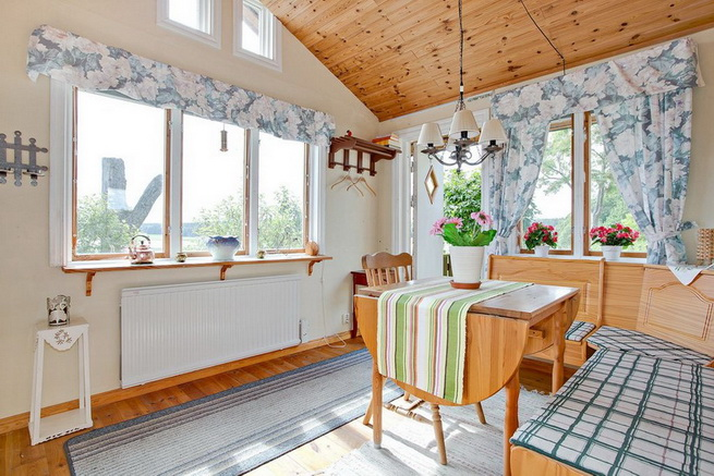 wooden rustic cottage with patio (6)