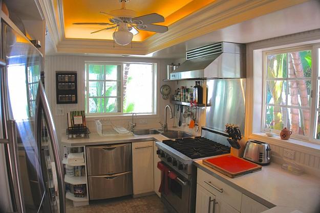 yellow-cozy-vintage-house (11)