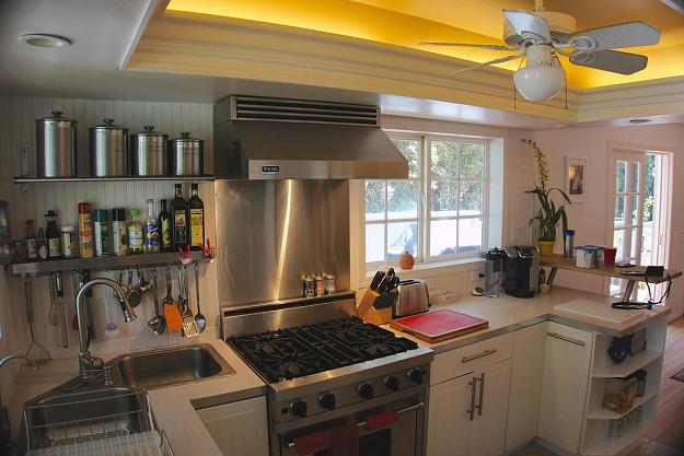 yellow-cozy-vintage-house (12)