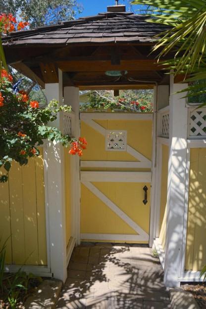 yellow-cozy-vintage-house (2)
