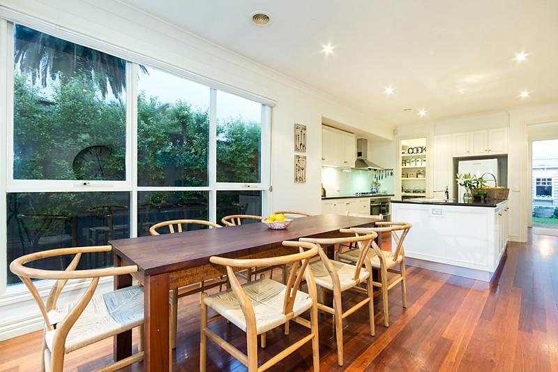 1-story-white-contemporary-house (4)