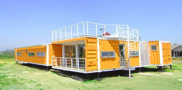 15-incredible-container-houses (11)