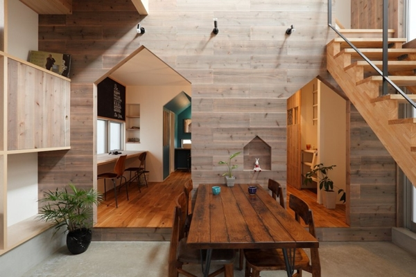 2-storied-japanese-house-with-extreme-wooden-interior (10)