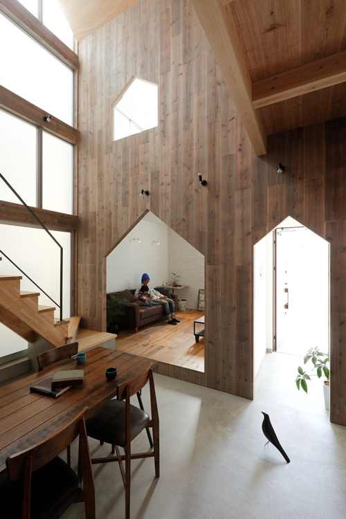 2-storied-japanese-house-with-extreme-wooden-interior (5)