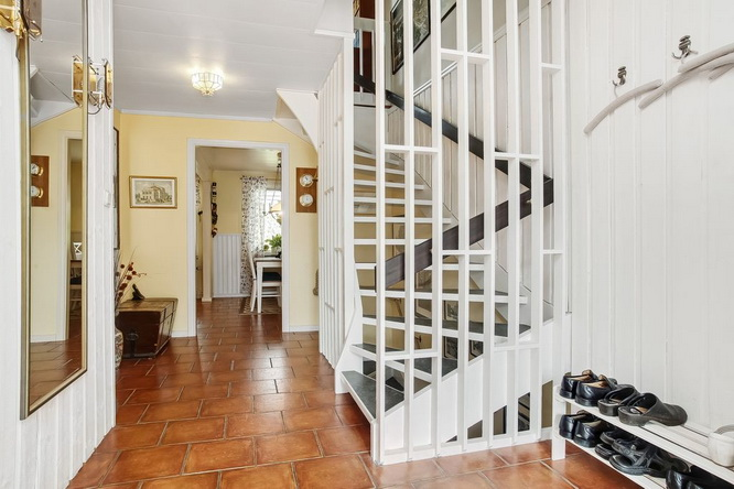 2-stories-classic-townhouse (2)