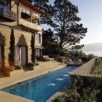 บ้านรีสอร์ทแถบภูเขา ขนาด 3 ชั้น ออกแบบชานบ้านพร้อมสระว่ายน้ำสุดหรู