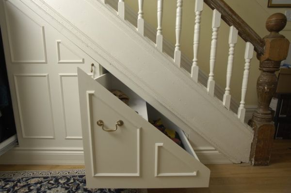 40 under stairs storage space and shelf ideas (16)