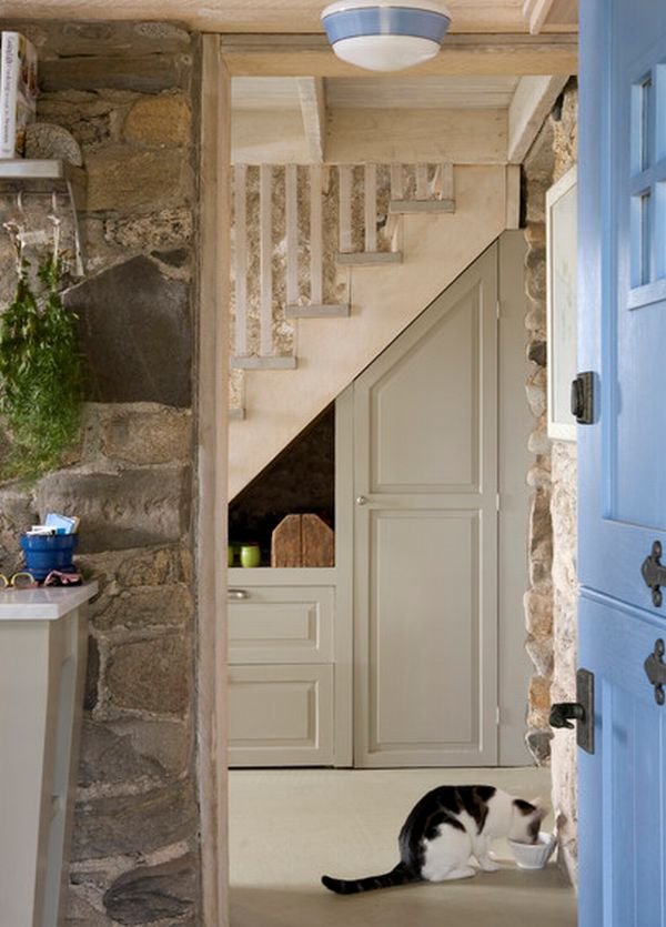 40 under stairs storage space and shelf ideas (27)