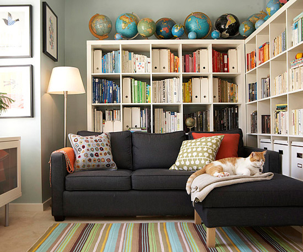 Cozy-Living-Spaces-with-Books (15)