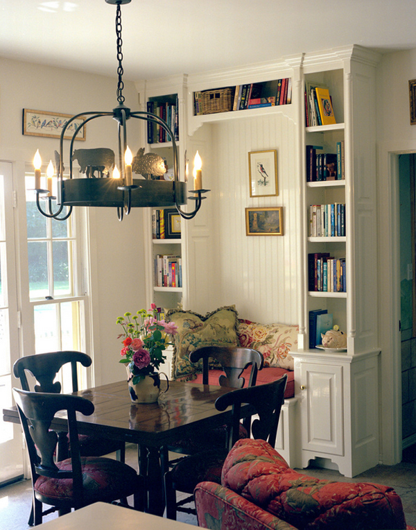 Cozy-Living-Spaces-with-Books (22)