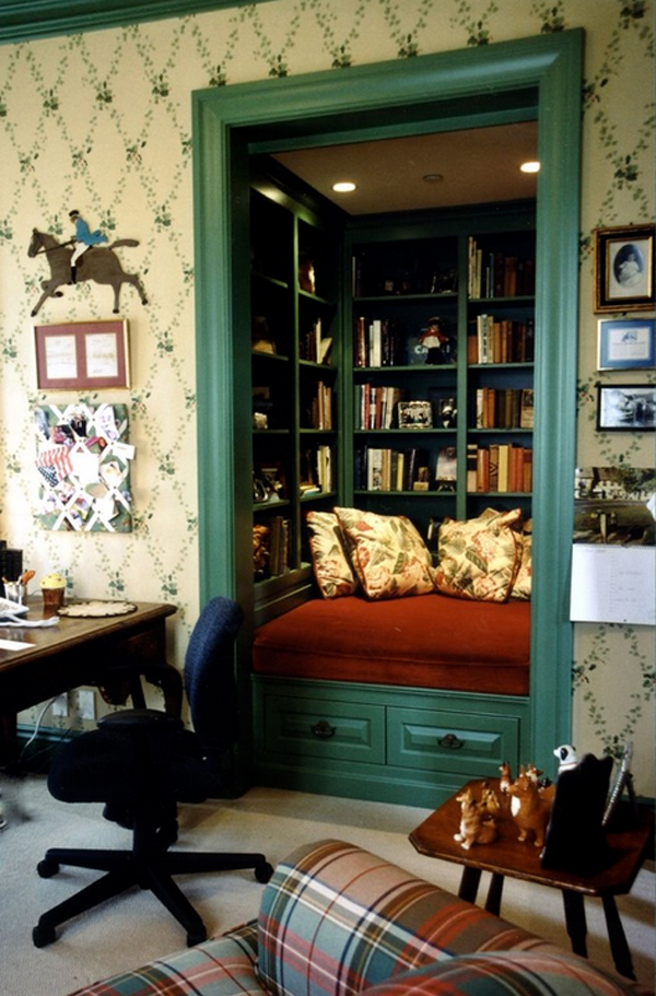 Cozy-Living-Spaces-with-Books (23)