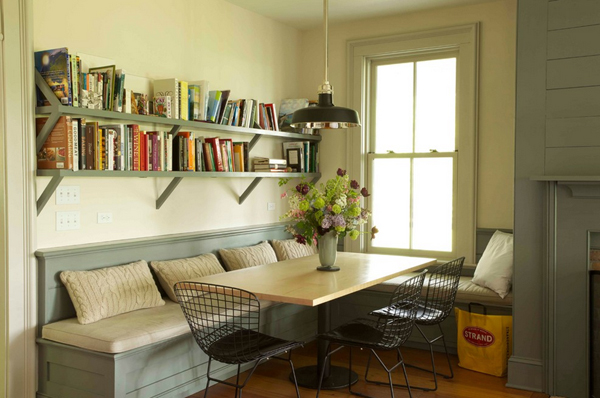 Cozy-Living-Spaces-with-Books (27)