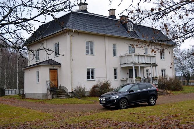 big elegant white villa (1)