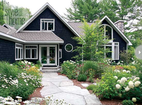 blue-waterfront-rustic-cottage (1)
