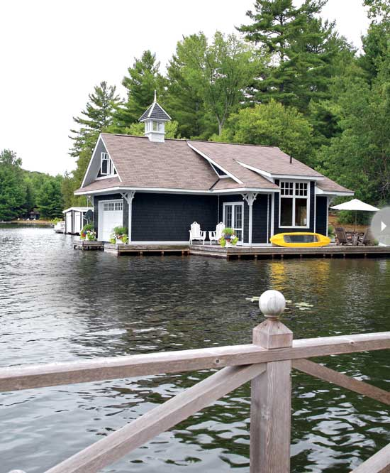 blue-waterfront-rustic-cottage (2)