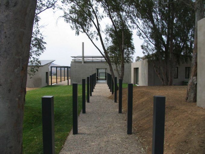 cement-house-on-green-field (5)