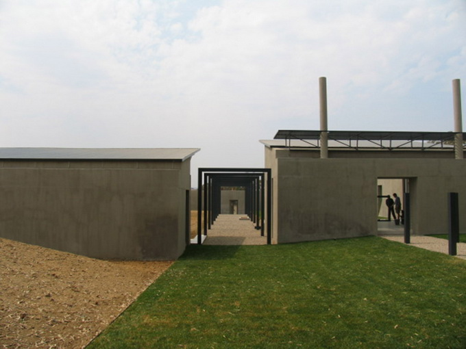cement-house-on-green-field (8)