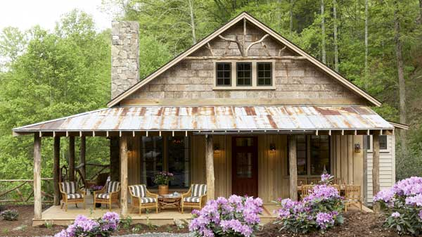 classic-cabin-house-in-wood (1)