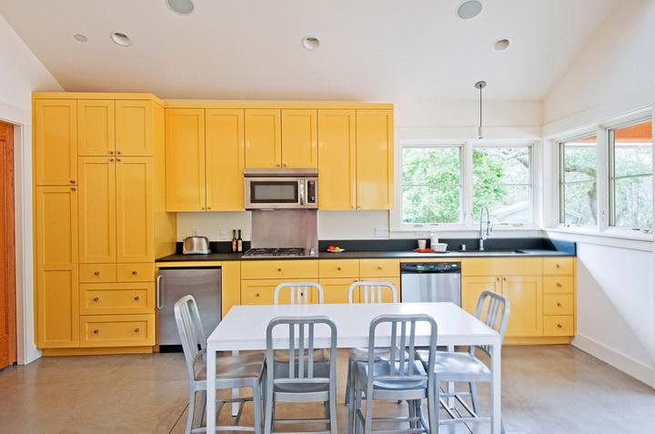 colorful cozy cottage (2)