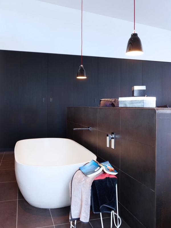 contemporary-blackwhite-house (18)