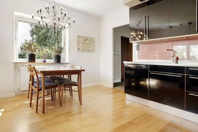 contemporary brick house with spacious interior (11)