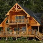 แบบบ้านไม้แนวร่วมสมัย โดดเด่นที่การออกแบบชานบ้าน พร้อมบรรยากาศป่าไม้อันแสนร่มรื่น