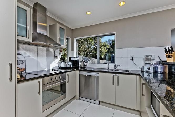 elegant-gray-villa-house (14)